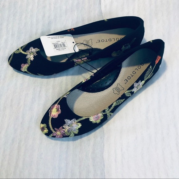 new arrival 100% genuine fast delivery Floral Embroidered Flats NWT NWT